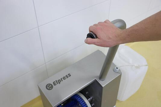 Elpress sole and shoe side cleaner